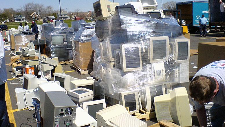 Veszélyes és e- hulladék gyűjtés Budaörsön (2016. ősz)