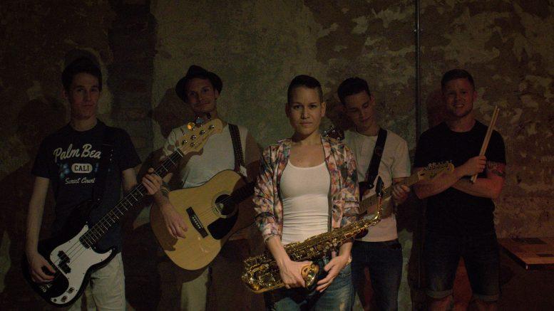Muzsikáló udvar - Sofia Balogh Band
