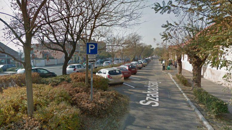Parkolási korlátozás keddtől csütörtökig a Szabadság út központi részén Budaörsön
